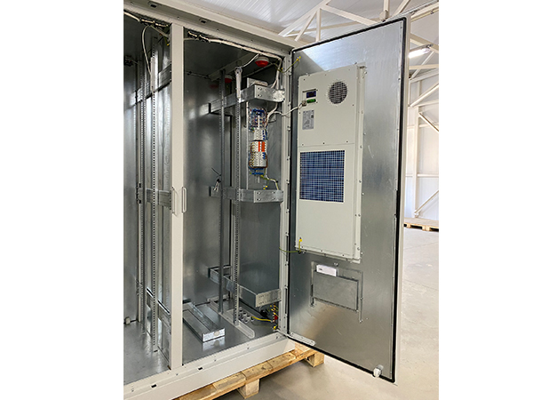 Climatic cabinets for aggressive environmental conditions: elevated temperature, marine environment and sand dust